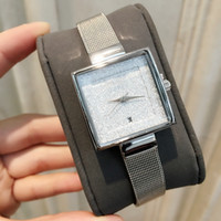 relógios relógios venda por atacado-O envio gratuito de Moda Feminina Relógio de Aço Inoxidável Venda Quente Senhora de Luxo Relógio de Pulso com Data de Quartzo Relógio Dial Piscando preço de atacado