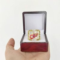 Wholesale gold 18k rings wings - 2018 Fashion Wholesale 2002 Detroit Red Wings stanley Cup Championship Ring With Wooden Box Fan Gift