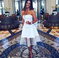 gri tül elbiseleri toptan satış-Basit Beyaz Kokteyl Elbiseleri Bir Çizgi Straplez Diz Boyu Saten Ve Tül Kısa Balo Giymek Custom Made Mezuniyet Elbiseleri