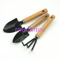ingrosso mini rastrelli di legno-3 Pz / set Mini Garden Hand Tool Kit Impianto Giardinaggio Pala Spade Rastrello Cazzuola Manico in Legno Testa di Metallo Giardiniere QW8108