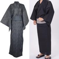 algodón yukata al por mayor-Hombres Estilo japonés Kimono Yukata Albornoz Pijamas Ropa de algodón largo Verano