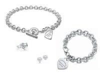 pulseras de letras de metal al por mayor-Alta calidad diseño de la celebridad carta 925 anillo de plata pulsera aretes collar cubiertos de metal en forma de corazón joyería conjunto 3pc con caja