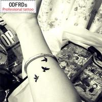 ingrosso tatuaggi per il polso delle gambe delle donne-2018 NUOVI Modelli 300 Tatuaggio Temporaneo Tatoo per l'uomo Weman Adesivi impermeabili trucco trucco Il piccione della pace del tatuaggio