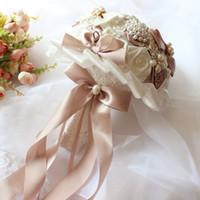 ingrosso bouquet di rose di nastro di raso-Mazzi di nozze splendida nuovo arrivo 2018 bouquet da sposa in raso rosa cristalli perle impreziosito fiori da sposa artificiali con nastri