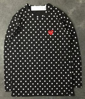 camisetas corazón negro al por mayor-Harajuku Hombres Mujeres Negro corazón rojo DES juego GARCONS CDG bordado Corazón manga larga raya Camisetas Bordado Corazón rojo tops camiseta sudaderas