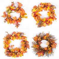 cadılar bayram dekorasyonları açık havada toptan satış-Cadılar bayramı akçaağaç yaprağı çelenk kapı asılı Halloween rattan Dekorasyon Cadılar Bayramı berry rattan daire Chrismas açık doğum günü partisi dekorasyon