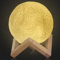 ingrosso lampada lunare per la camera da letto-Ricaricabile 3D Print Moon Lamp 2 Cambia colore Touch Switch Camera da letto Libreria Night Light Home Decor Creativo San Valentino regalo 1007001