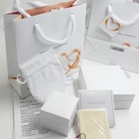 joyería de moda de calidad al por mayor-Corazones grandes de la calidad del amante cajas de joyería de moda Empaquetado Sistema Para los granos de Pandora Pulsera de caja de anillos de plata las mujeres originales de regalo bolsas