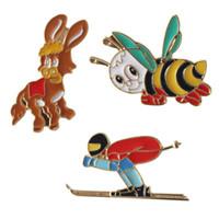 pernos de la joyería del caballo al por mayor-Cute Cartoon Bee Skiing Horse Funny Cool Enamel Jean Broches Pins Button Bag Clothes Badge fashion Jewelry Women Gift