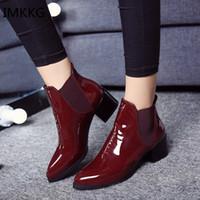 bottes de chaussures pour femmes achat en gros de-NOUVEAU Femmes Bottes PU Chaussures plates Martin Bottines Femmes Moto Automne Femmes Chaussures D'hiver en cuir Martin Q469