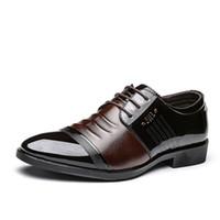 marca sapatos de festa homens venda por atacado-Marca Designer Homens Oxfords Sapatos Casuais Escritório de Negócios Sapatos Formais Breather Lace Up Apontou Toe Vestido de Festa de Casamento Masculino