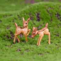 ingrosso fate in miniatura per i giardini-Miniature Cute Deer Lovers Fairy Garden Supply Materiale fai da te Mini Resina Handcaft Moss Micro Accessori per paesaggi Vaso da fiori Decorazione