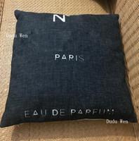 almohadas de lujo del hotel al por mayor-45x45cm Funda de cojín ecológica de algodón-lino con patrón C sin funda de almohada Padow Core de lujo de diseño de moda adddicts C para la vida