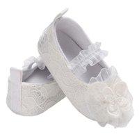 милые свадебные туфли оптовых-Детская обувь малыша обувь новорожденных мягкой подошвой не скольжения Prewalker новые девушки кружева цветок симпатичные свадьба Принцесса детская кроватка обуви