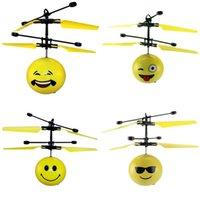 ballon à distance achat en gros de-Expression Flying Ball LED Bande Dessinée Emoji Puissance Électrique Télécommande Balles D'induction Suspension Aerocraft Pour Enfants Jouets 14 93rb UU