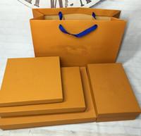 kutu yükü toptan satış-Kış Marka Eşarp Kutusu Kağıt Torba Kadınlar ve Erkekler Için 2019 Tasarımcı Atkılar Pashmina Infinity Atkı yüklenebilir
