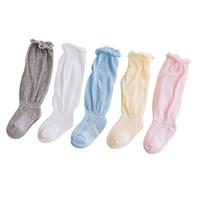 meias de joelho cinza venda por atacado-Bebés Newborn Knee High Socks Baby boy Fino Malha Verão Branco Rosa Azul Amarelo Cinza Meias Joelho