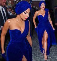 vestido azul de hendidura alta al por mayor-Lady GaGa Royal Blue Sirena Vestidos de noche 2019 Un hombro Alto Corte Longitud de terciopelo Largo Formal Prom Prom Vestidos de alfombra roja Baratos