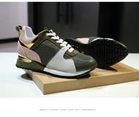 en iyi spor ayakkabıları erkekler toptan satış-2018 Lüks Tasarımcı Erkekler Rahat Ayakkabılar Ucuz En En Kaliteli Erkek Bayan Moda Sneakers Parti Ayakkabı Kadife Spor Sneakers Tenis