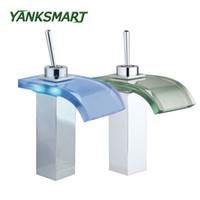 хромированный хром оптовых-YANKSMART Waterfall LED Deck Mounted Bathroom Basin sink Tap Chrome W/ Glass Spout Mixer Tap Single handle Faucet