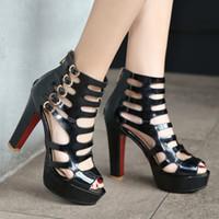sexy sandalen mit hohen absätzen großhandel-Top-Qualität Gothic Style Lackleder Plattform Super Sexy Nachtclub High Heels Hohl Schnallen Reißverschluss Damen Stiefeletten Sandalen