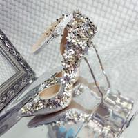 talons dorés fleurs achat en gros de-Printemps argent et or fleurs pointu (6-8cm) chaussures à talons hauts pour femmes. PU artificiel + tranche brillante à la mode et élégante chaussure simple dame.