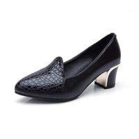 beyaz kedi yavrusu düğün ayakkabıları topuklar toptan satış-Bayanlar Kitten Topuklar Kadın Ayakkabı Pompalar Bayanlar Ofis Düğün Ayakkabı Escarpins Femme 2018 Seksi Zarif Ayakkabı Kadın Siyah beyaz Topuklu