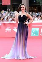 ingrosso dimensione del vestito dei collins del giglio-Lily Collins Ombre Pieghettato Celebrity Red Carpet Dress Cheap Gradient senza spalline in Chiffon lungo taglio abiti da sera