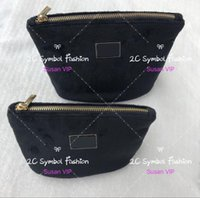 сумочки бренды цена оптовых-Набор из 2 сумок (цена за 2 сумки) мода бархатная сумочка металлическая пряжка логотип косметический организатор Марка макияж сумки роскошный бренд сумка для хранения