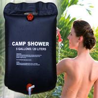güneşli duşlar toptan satış-20L Su Torbası Katlanabilir Güneş Enerjisi Isıtmalı Kampı PVC Duş Çanta Açık Kamp Seyahat Yürüyüş Tırmanma BARBEKÜ Piknik Su Depolama