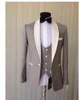 parti için gri smokin toptan satış-Yeni Tasarım Şal Yaka Gri Düğün Erkekler Damat Smokin Erkekler Parti Groomsmen Takım Elbise (Ceket + Pantolon + Kravat + Yelek) NO: 112