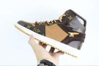 свободные настоящие баскетбольные туфли оптовых-Бесплатная доставка DHL высокое качество 2018 релиз от 1 кроссовки Белый 1S человек подлинное качество баскетбольная обувь от реальной кожаной обуви с коробкой