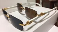 ingrosso telai di lenti in legno-Moda corno di bufalo occhiali 2018 occhiali di design in legno di marca per uomo donna bufalo occhiali da sole lenti marrone chiaro struttura in legno con scatola