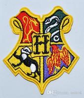 demir harry potter yaması toptan satış-Harry Potter HOGWARTS Gryffindor Hufflepuff Ravenclaw Slytherin Demir On Yamalar, yama dikmek, Aplikler, Kumaş Made, 100% Kalite