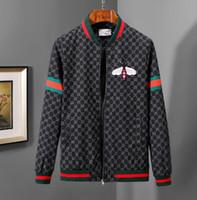 cortavientos rojo al por mayor-diseñador de ropa de marca de lujo para hombre sudaderas con capucha sudadera con capucha rayas rojas verdes flores parabrisas ropa de animales de béisbol prendas de vestir exteriores chaqueta con cremallera