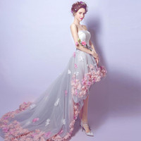 çiçek elbisesi elbisesi toptan satış-Hi-düşük Bir Çizgi Gelinlik Ile Sevgiliye El Yapımı Çiçek Akşam parti Törenlerinde Tül Asimetrik Hem Lace Up Geri Balo Giymek