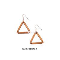 pendientes de plastico vintage al por mayor-Sencillos adornos de moda vintage forma triangular cuentas de plástico metal bambú pendientes de madera maciza