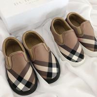 niños zapatos de princesa verde al por mayor-Zapatos para niños Moda Patrón clásico a cuadros Zapatos planos Diseñador de marca Zapatos cómodos sin cordones para niños EUR TAMAÑO 22-35