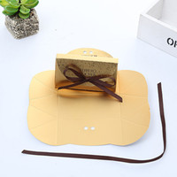 Wholesale crafts favors - 4.8x5x9.5cm Gift Bag Frenulum Candy Box Golden Bow Ferrero Rocher Boxes For Wedding Favors Valentine Day Gifts 0 35yt UU