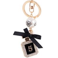 zincirler çalar toptan satış-Yeni Marka Parfüm Şişesi Lüks Anahtarlık Anahtarlık Anahtarlık Tutucu Anahtarlık Porte Clef Hediye Erkek Kadın Hediyelik Eşya Araba Çanta Kolye
