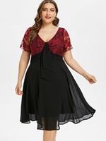 spitze verschönerte shorts großhandel-5XL Plus Size Bowknot verziert mit V-Ausschnitt Floral Lace Trim Flare Kleid zweifarbig knielangen kurzen Ärmeln A-Linie Kleid