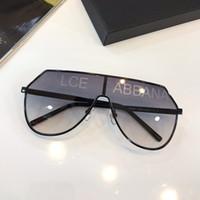 gedruckte brillen großhandel-Neue Bestseller-Designer Luxus-Sonnenbrillen für Damen 2221 Metall Beine glänzend Druck Logo Brillen UV400 Top-Qualität Mode Brillen