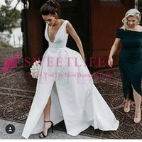 ingrosso treno abiti da sposa in stile impero-2019 New White Stain Deep V Neck Abiti da sposa Side Split Sexy Sweep Train Impero Vita Country Style Abito da sposa Custom Made vendita calda