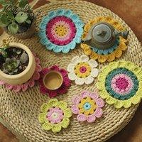 crochê de mesa artesanal venda por atacado-Atacado-20pcs / lote Fotografia Props Coaster Crochet Flores Roupas Patch Acessório Handmade Doilies Crochet Table Mats Pad 9-14cm