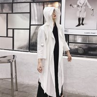 weißer kapuzengraben großhandel-Männer Schwarz Weiß Mit Kapuze Graben Mantel Mantel Punk Gothic Männlich Frauen Paar Mode Japanischen Harajuku Casual Lange Strickjacke Jacke