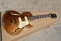 elektrische jazzgitarre f löcher großhandel-Kostenloser Versand Top-Qualität neuen Stil F-Loch halb Hohlkörper P90 Pick-up Goldtop Jazz E-Gitarre auf Lager
