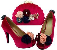 дамы красивые насосы оптовых-Красивые фуксии женские туфли с цветочным декором африканские туфли соответствуют сумочке набор для дамской одежды BL002 каблук 11 СМ
