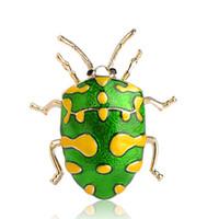 altın böceği toptan satış-% 50 Toptan Blucome Yeşil Emaye Sarı Nokta Beetle Broş Altın Renk Böcek Broş Pin Kadın Şapka Badge Dekorasyon Omuz