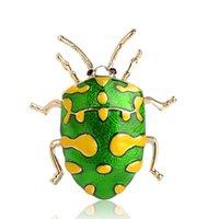 ingrosso spille spille beetle-50% all'ingrosso Blucome verde dello smalto giallo spot Beetle Spille Oro Colore dell'insetto Spilla Pin spalla delle donne Cappello Distintivo Tatuaggi