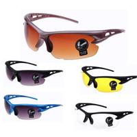 ingrosso occhi di visione-Occhiali da sole per uomo All'aperto Sport Equitazione Occhiale Moda Anti-vento Antipolvere Occhiali per la visione notturna Modelli multipli Giallo 2 2q WW